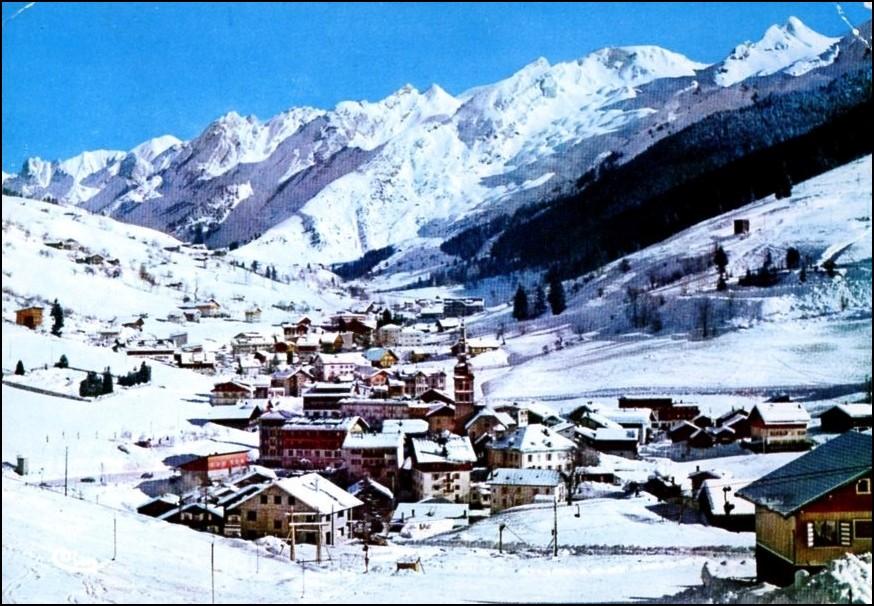 Le petit village de La Clusaz en 1962