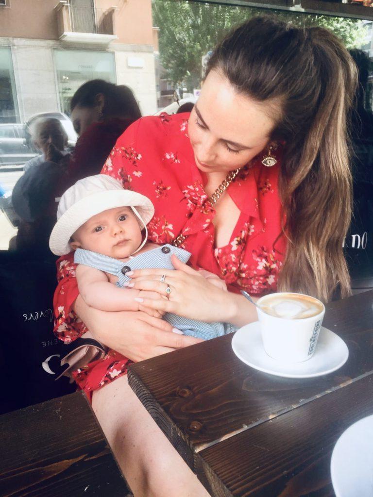 Aller boire un cappuccino avec son bébé