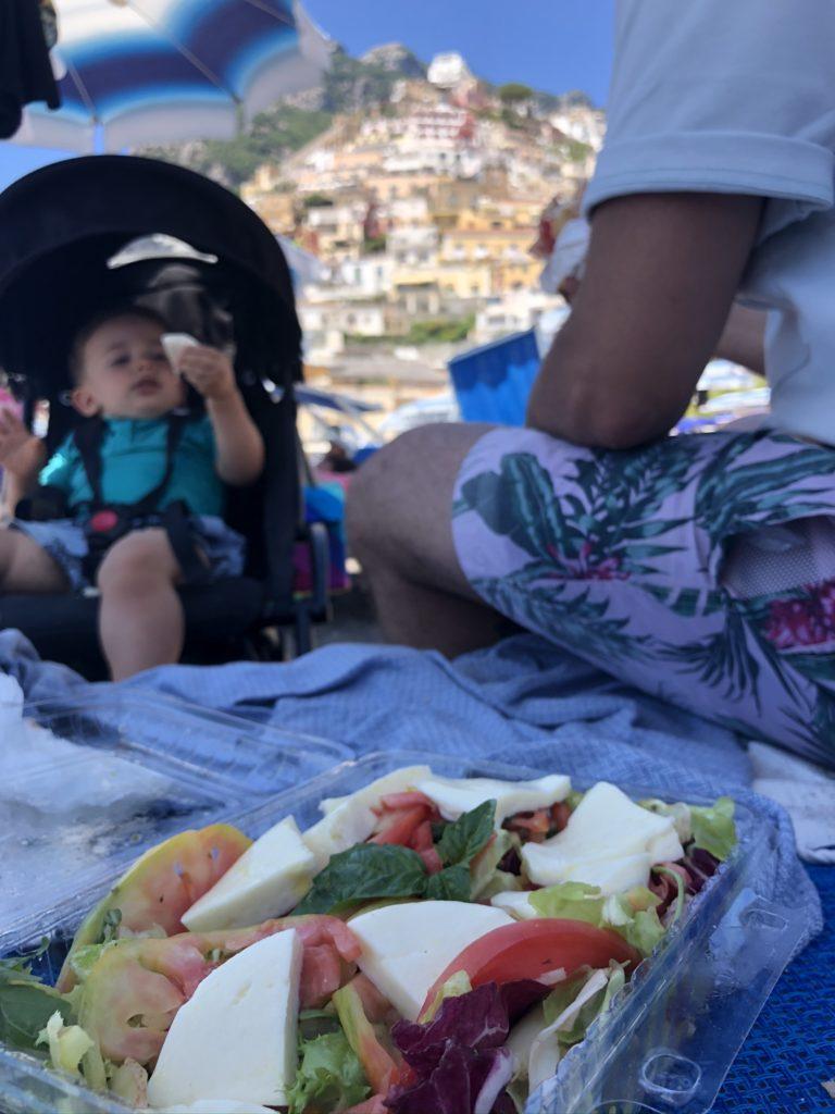 Lunch avec vue sur la plage de Positano pour moins de 10€